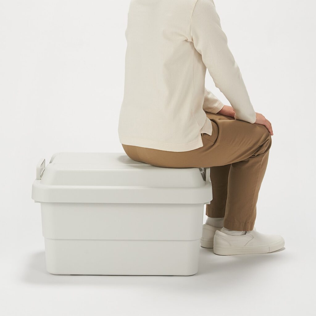 収納ボックスは座っても大丈夫