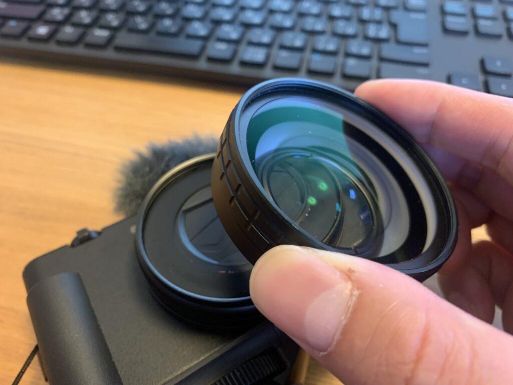 Ulanziの広角レンズをZV-1に取り付け